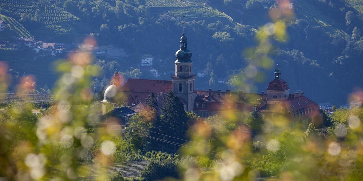 Johanneum Kloster in Dorf Tirol