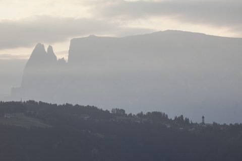 Blick von Jenesien zu den Dolomiten (Schlern)